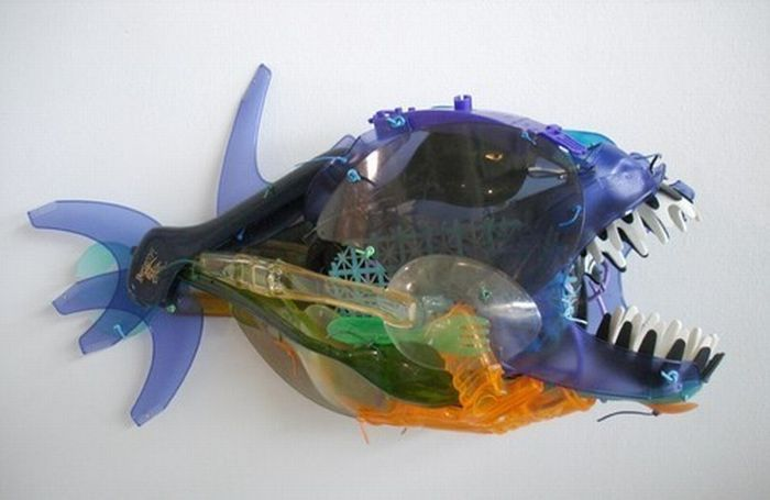 Поделка рыбы из бытового отхода