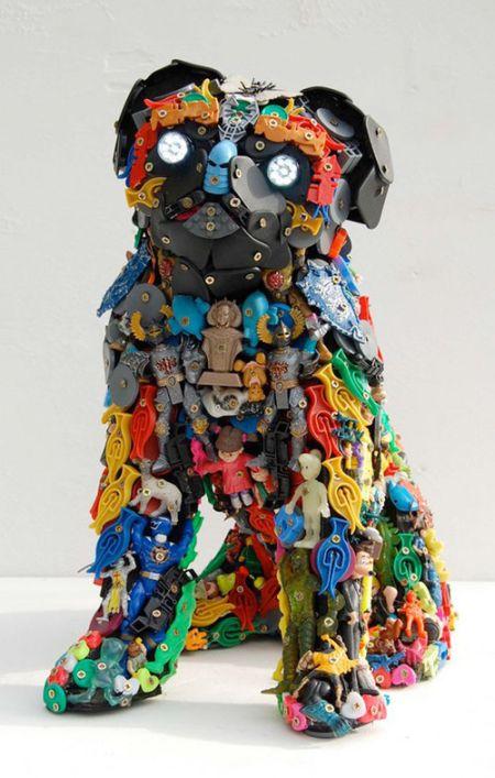 Потрясающие работы из обычного мусора (40 фото)