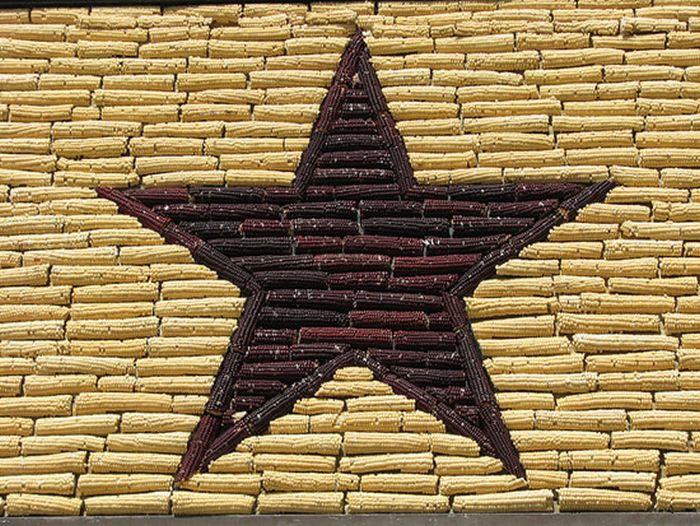 Дворец из кукурузы (10 фото)