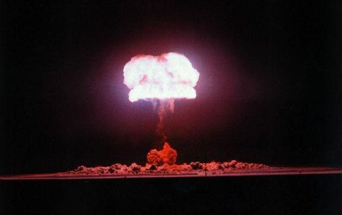 http://cdn.trinixy.ru/pics4/20100716/nuclear_explosions_39.jpg