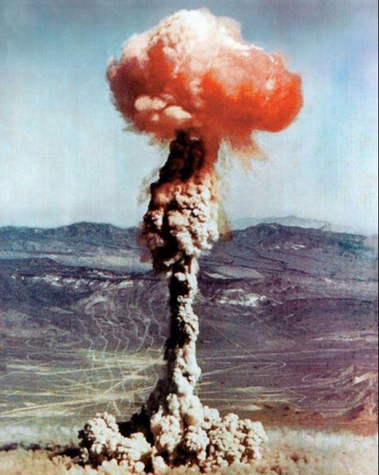 Ядерные взрывы (88 фото)