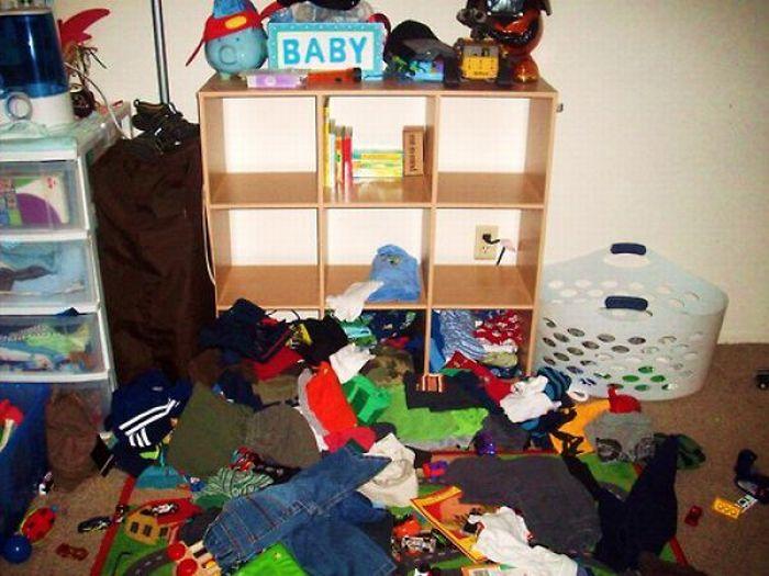 Уничтожено детьми (28 фото)