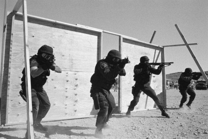 Нация с оружием в руках (26 фото)
