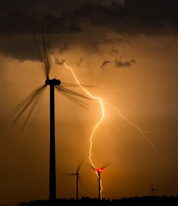 lightning research papers Overview of recent progress in lightning research and lightning protection journal papers on various aspects of lightning in lightning research and.
