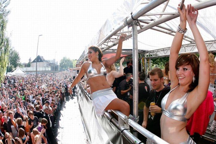 Парад любви 1989 - 2010 (84 фото)