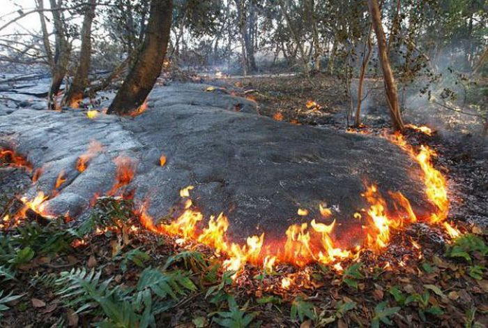 Килауэа - вулкан, который извергается 27 лет (22 фото)