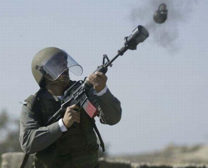 Выстрелы и взрывы (50 фото)