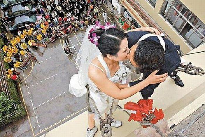 Необычные свадьбы (43 фото)