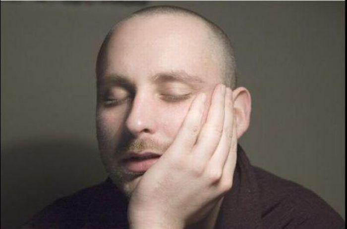 Как поспать на работе, чтобы никто не заметил (3 фото)