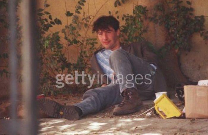 Киану Ривз проводит время с бездомным (6 фото)