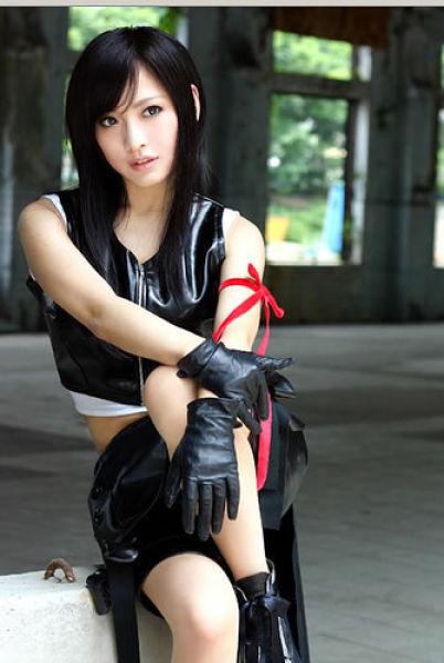 Девушки в костюмах Тифы Локхарт из Final Fantasy VII (40 фото)