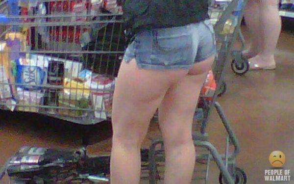Видео голые в супермаркете