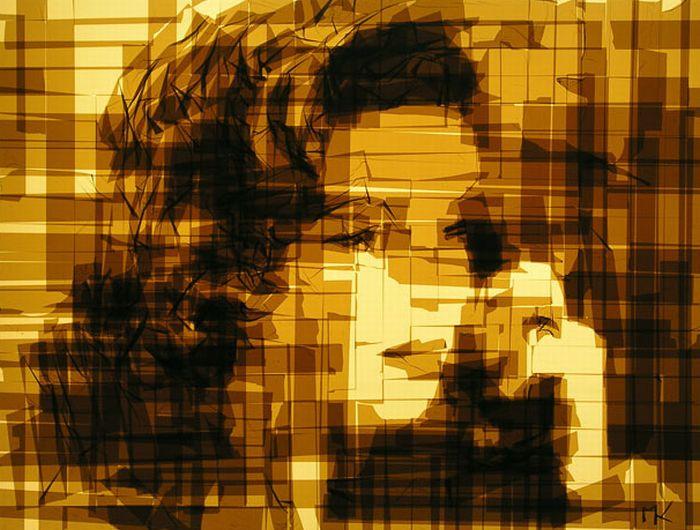Картины из клейкой ленты (15 фото)