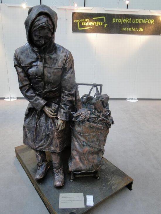 Статуи бездомных (19 фото)