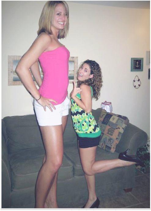 очень высокие девушки в чулках фото