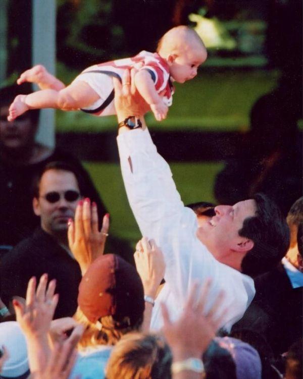 Политики с детьми (21 фото)