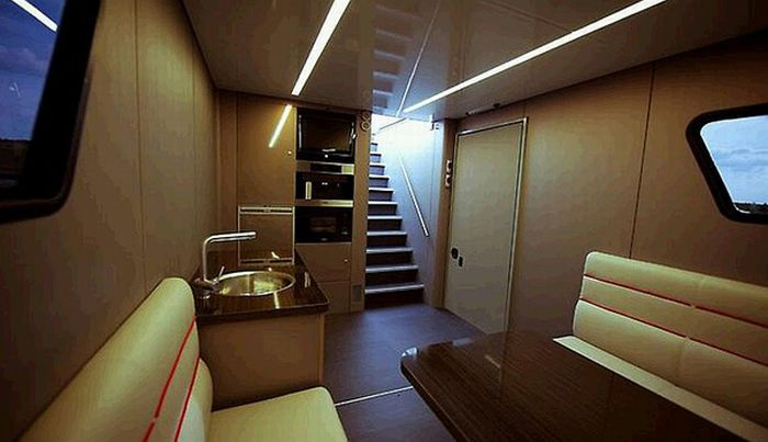 Дом на колесах Futuria (16 фото)