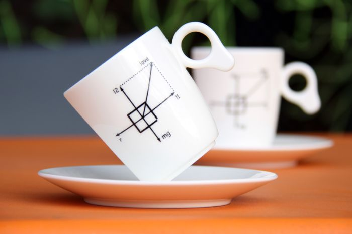 Антигравитационная чашка (7 фото)