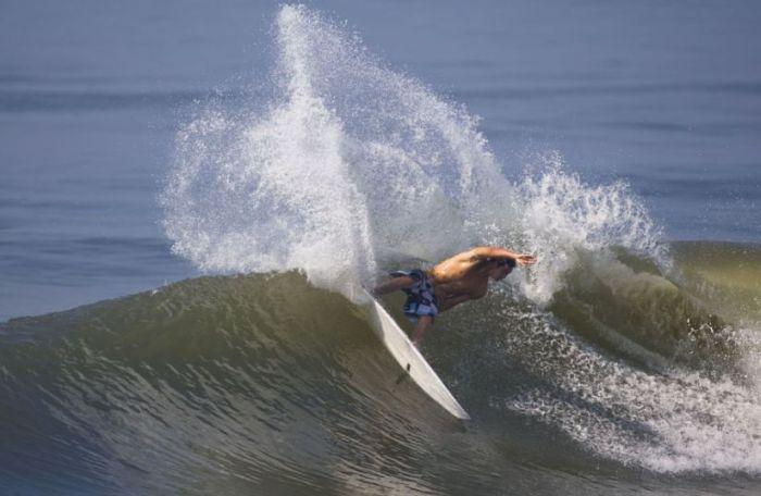 Краcивейшие фотографии серферов (35 фото)