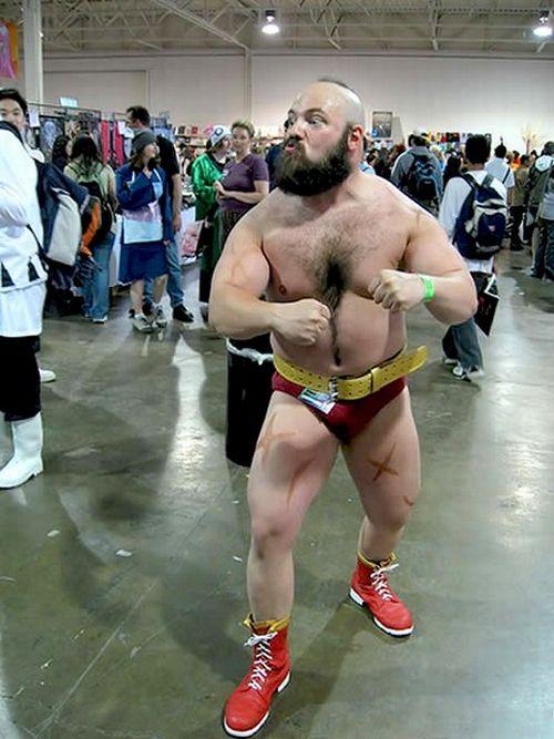 Лучшие и худшие костюмы фанатов игры Street Fighter (28 фото)