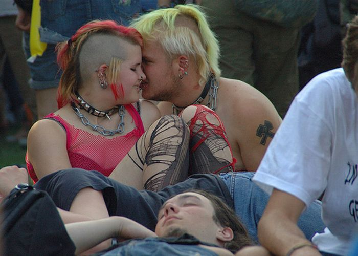 Влюбленные панки (14 фото)