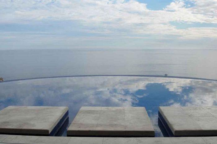 Самые красивые бассейны со всего мира (25 фото)