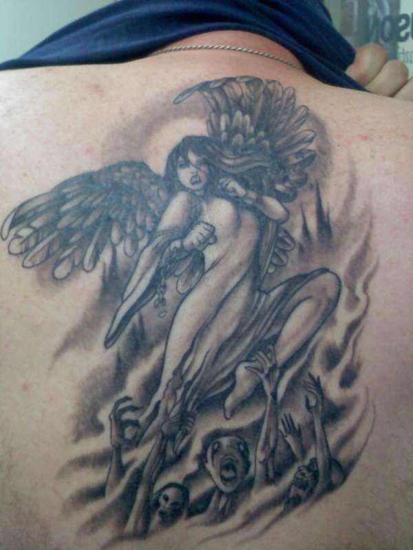 Неплохие татуировки (25 фото)
