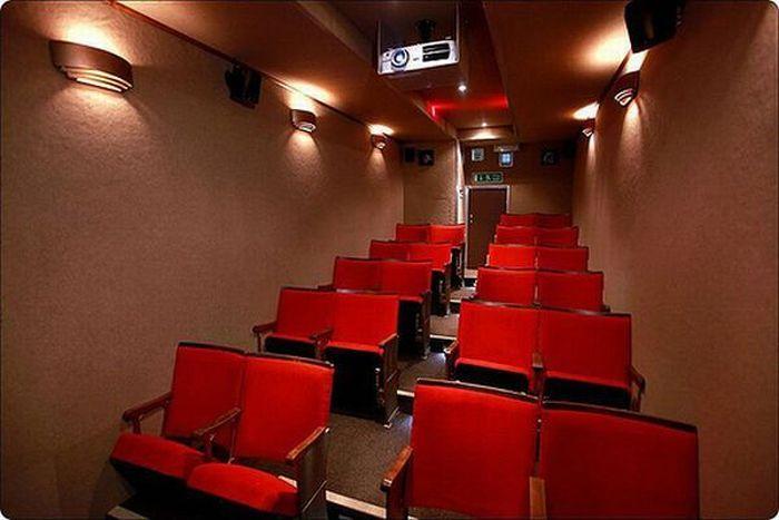 Мобильный кинотеатр (5 фото)