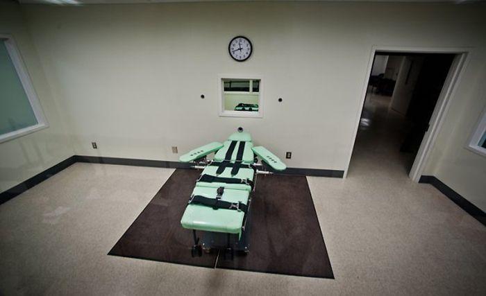 Камера для смертельных инъекций (15 фото)