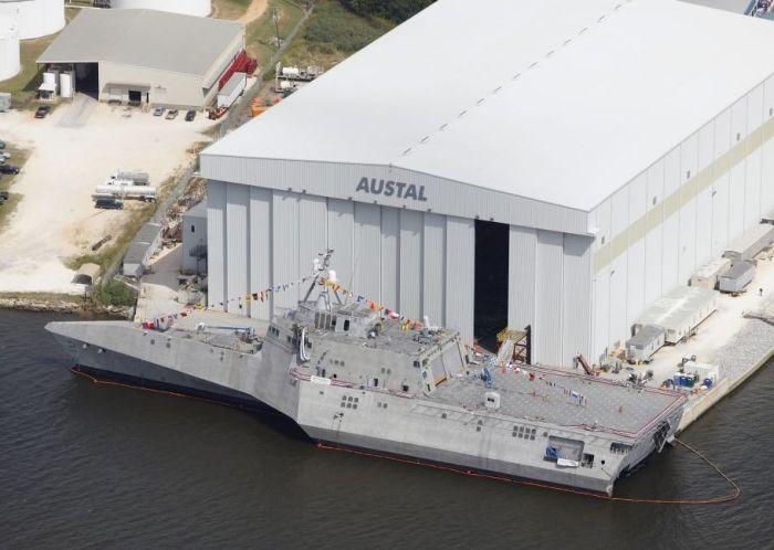 USS Independence - новинка американского флота (15 фото)