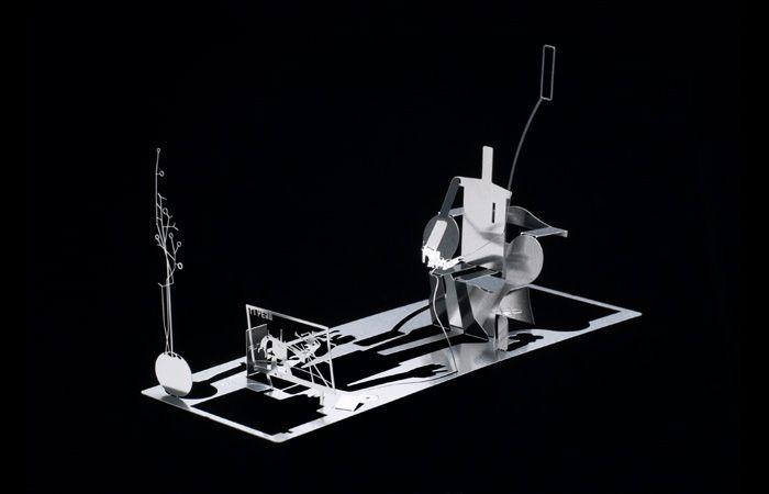 Скульптуры из металлических визиток (10 фото)