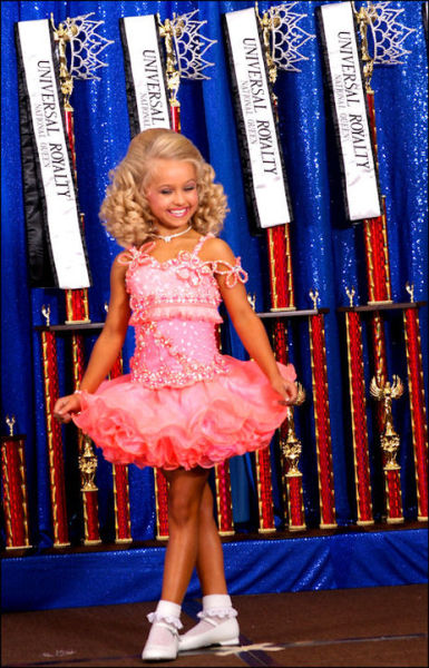 Beauty Children Pageants Make Children Look Ugly.