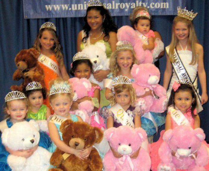 http://trinixy.ru/pics4/20101005/child_beauty_pageant_26.jpg