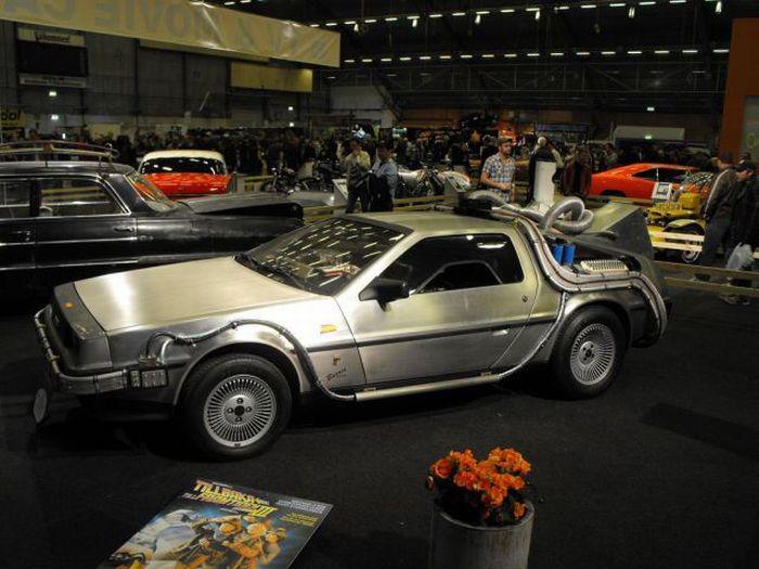 Известные машины из фильмов (43 фото)