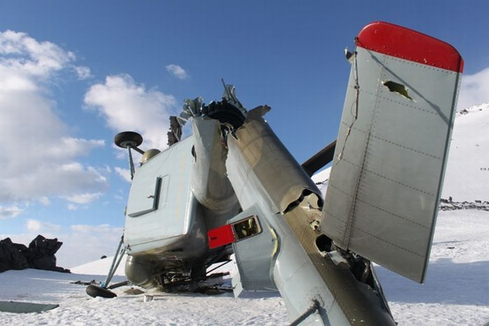 Заброшенный MИ-8 (11 фото)