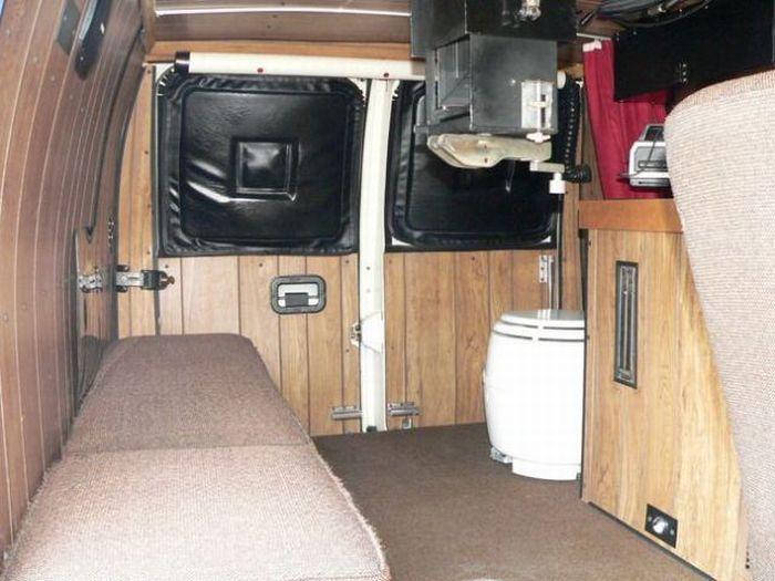 Шпионский фургон (13 фото)