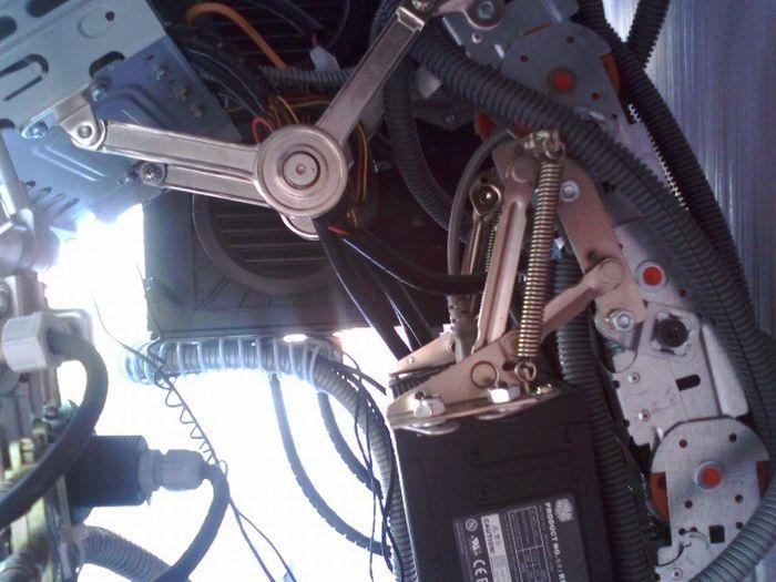 Компьютерный моддинг. Компьютер без корпуса (13 фото)