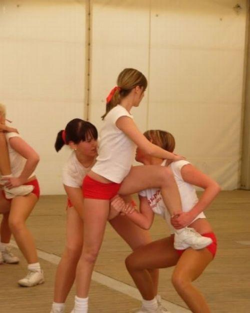 Неудачи девушек из групп поддержки (19 фото)