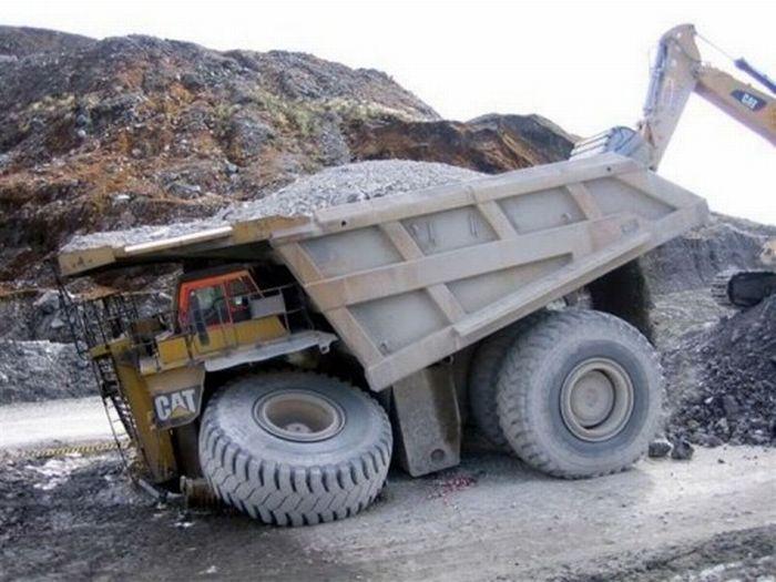 Аварии больших машин (21 фото)