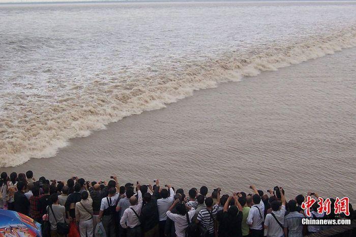 Прилив в Китае (12 фото)