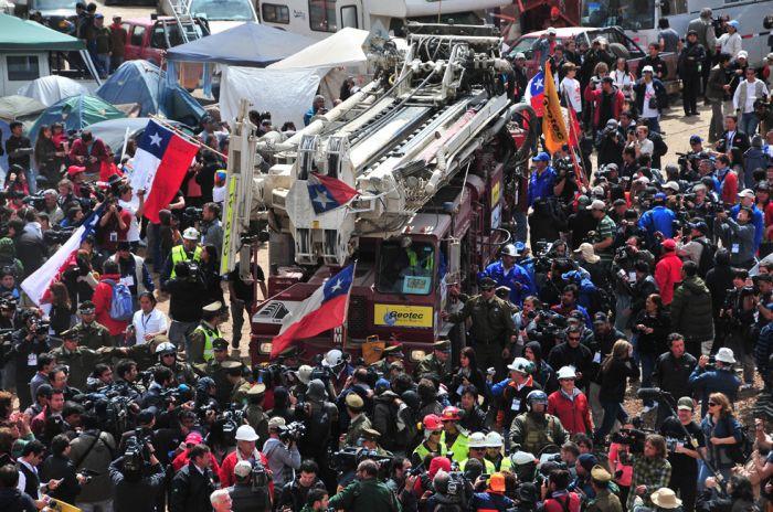 Чудесное спасение чилийских шахтеров (33 фото + видео)