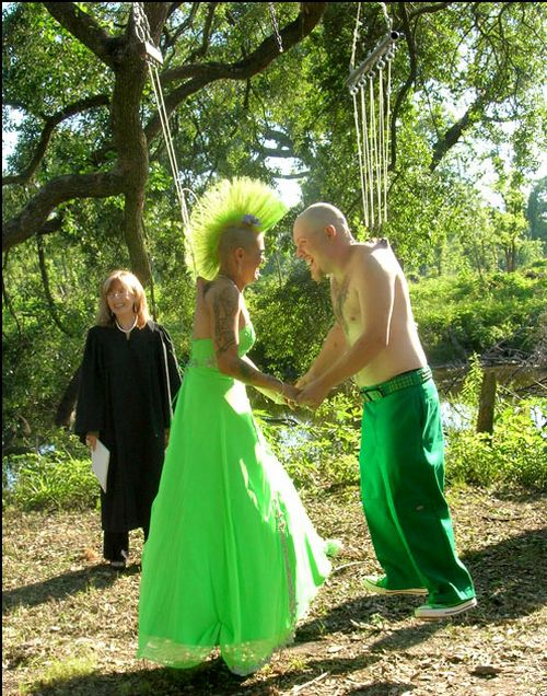 Свадьба экстремалов (4 фото)