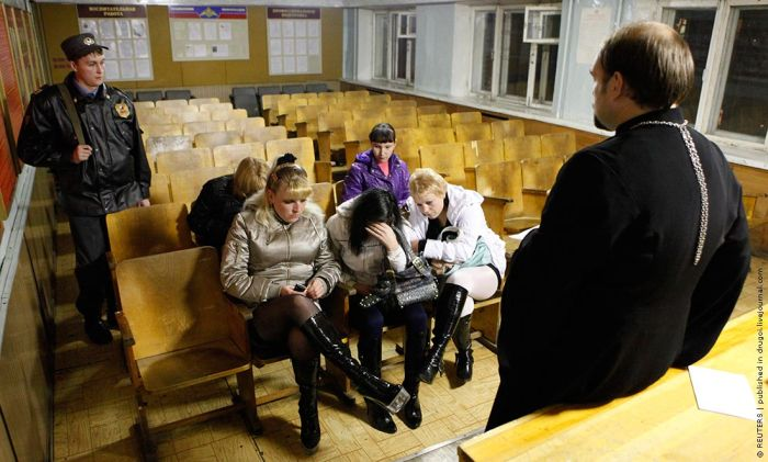 Борьба с проституцией силами церкви (4 фото)