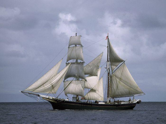 Фотоподборка красивых кораблей.