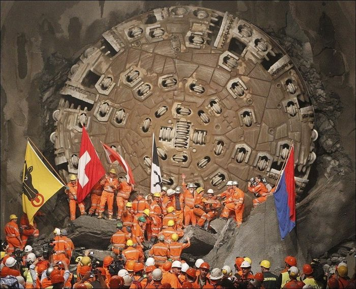 Готардский базовый туннель (16 фото)