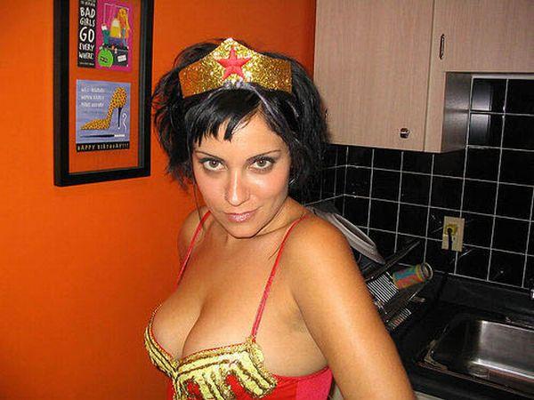 Самые сексуальные костюмы на Хэллоуин (99 фото)