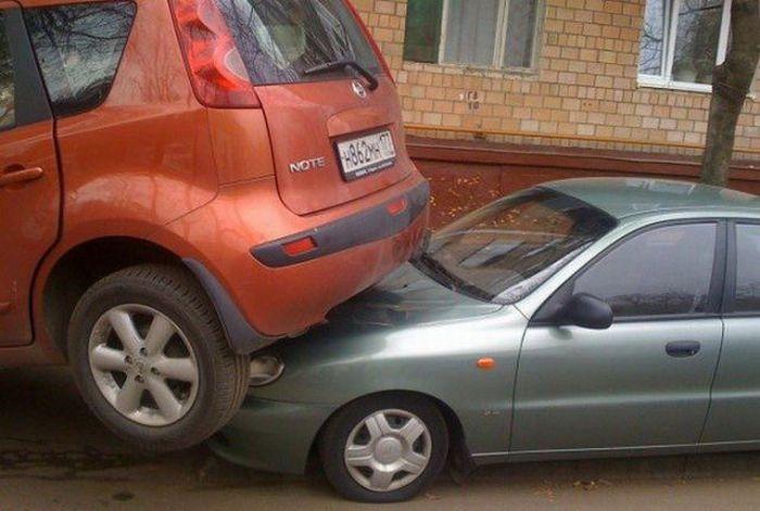 Уникальная парковка (4 фото)
