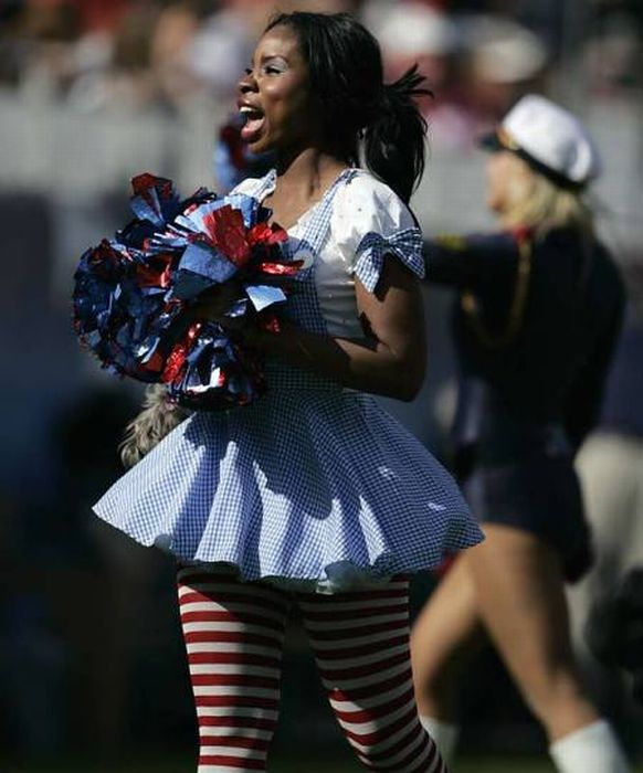 Девушки из группы поддержки команд NFL (92 фото)