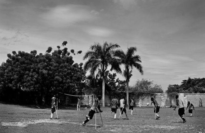 Команда Гаити по футболу среди инвалидов (16 фото)