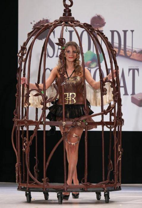 Показ шоколадной моды в Париже (15 фото)